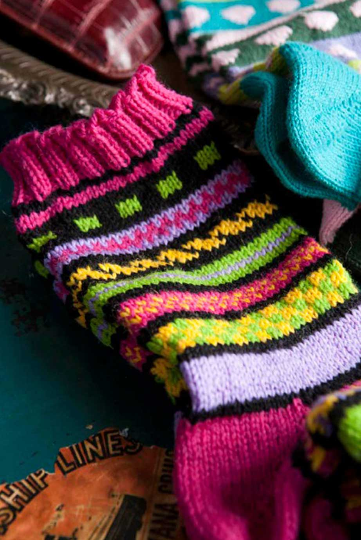 bold-color-work-socks